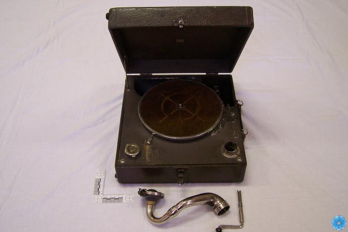 Phonograph, Portable