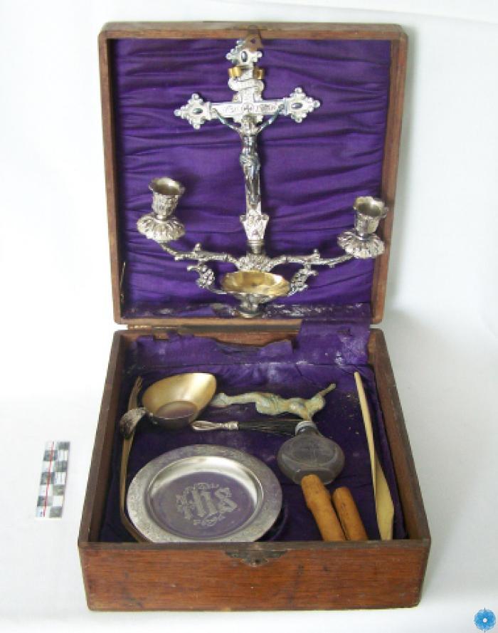Set, Communion